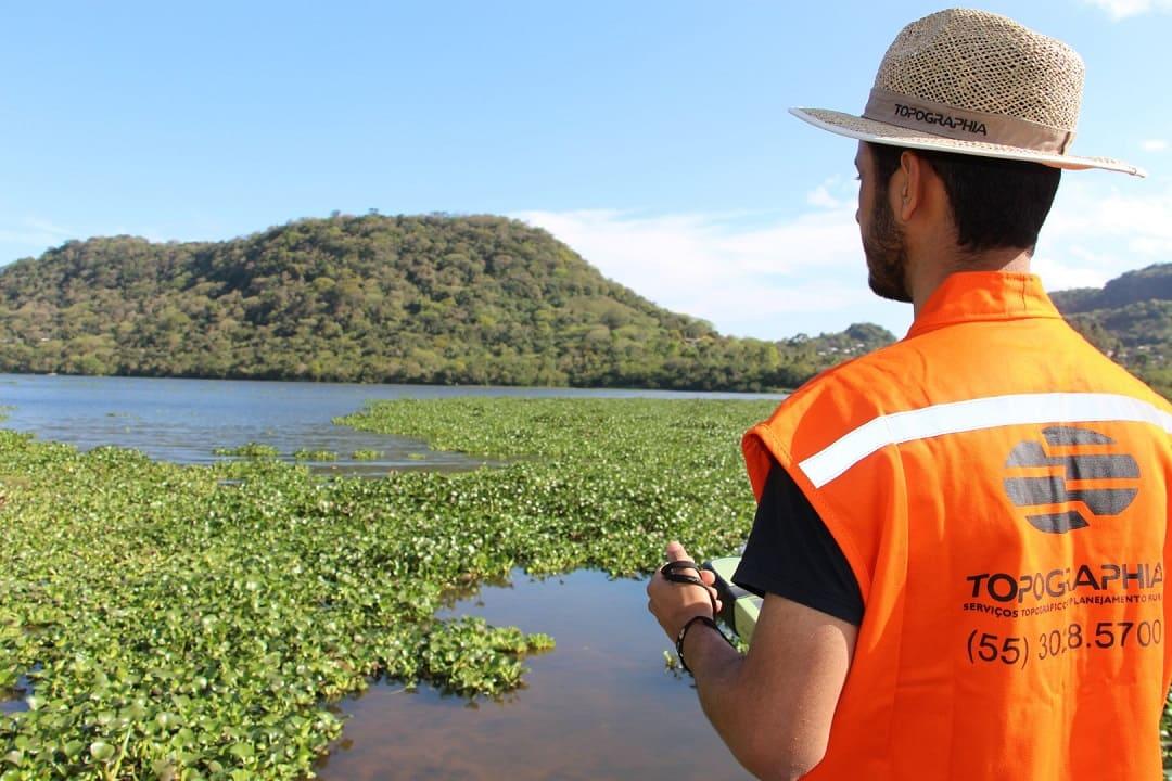 O que fazer para regularizar o uso de água, como açude, barragem ou bombeamento, em propriedade rural?