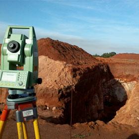 Projetos de Terraplanagem e determinação de volume em escavações e aterros